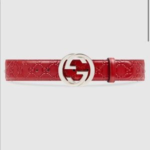 Gucci signature belt with G buckle